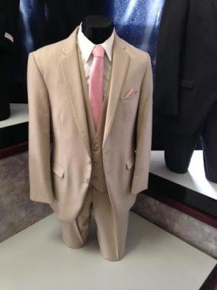 Groomsmen tux with Jason's Tie